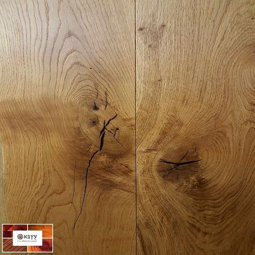 פרקט עץ תלת שכבתי רחב ויפיפה בגמר לכה