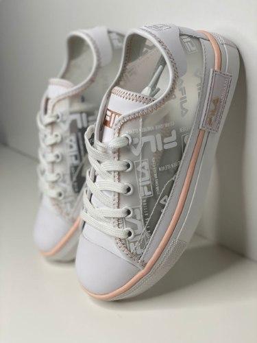FILA נעלי פילה שקופות צבע לבן ורוד