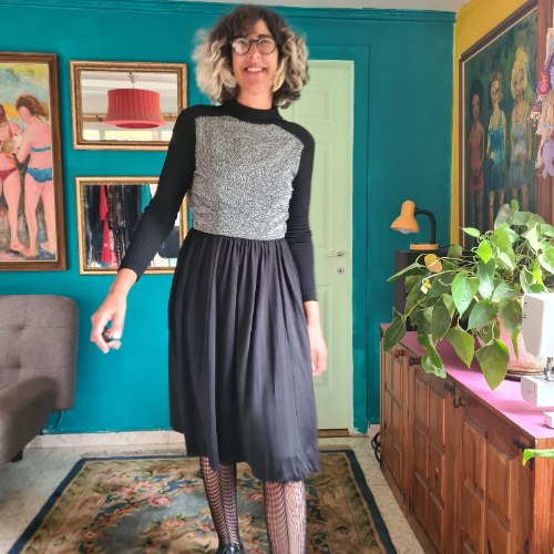 שמלה שחורה עם לורקס כסוף S