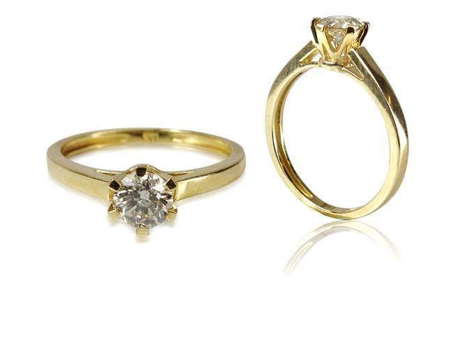 טבעת זהב 14K משובצת יהלומים 0.52 קראט