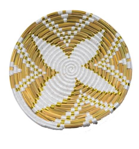 צלחת קש רקומה זהב לבן L
