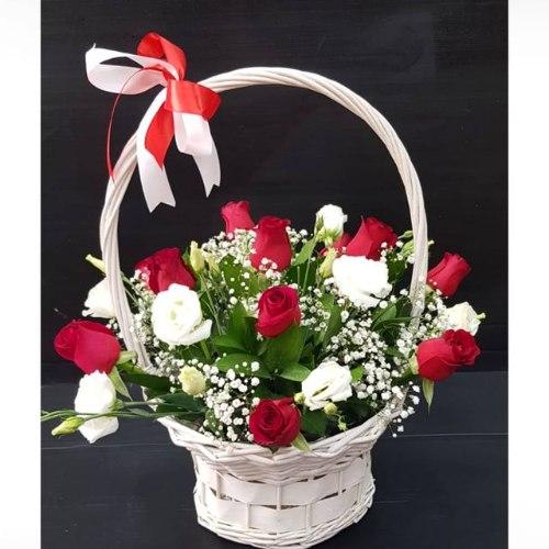 סלסלה ורדים בצבע בורדו כיין-מקט 52