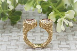 טבעת זהב פתוחה עם טורמלין מרקיזות ויהלומים
