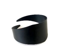 צמיד מעויין שחור