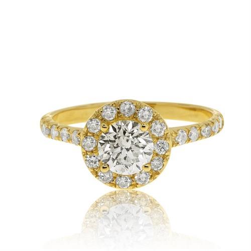 טבעת אירוסין משובצת יהלומים 0.78 קראט בזהב 14 קרט