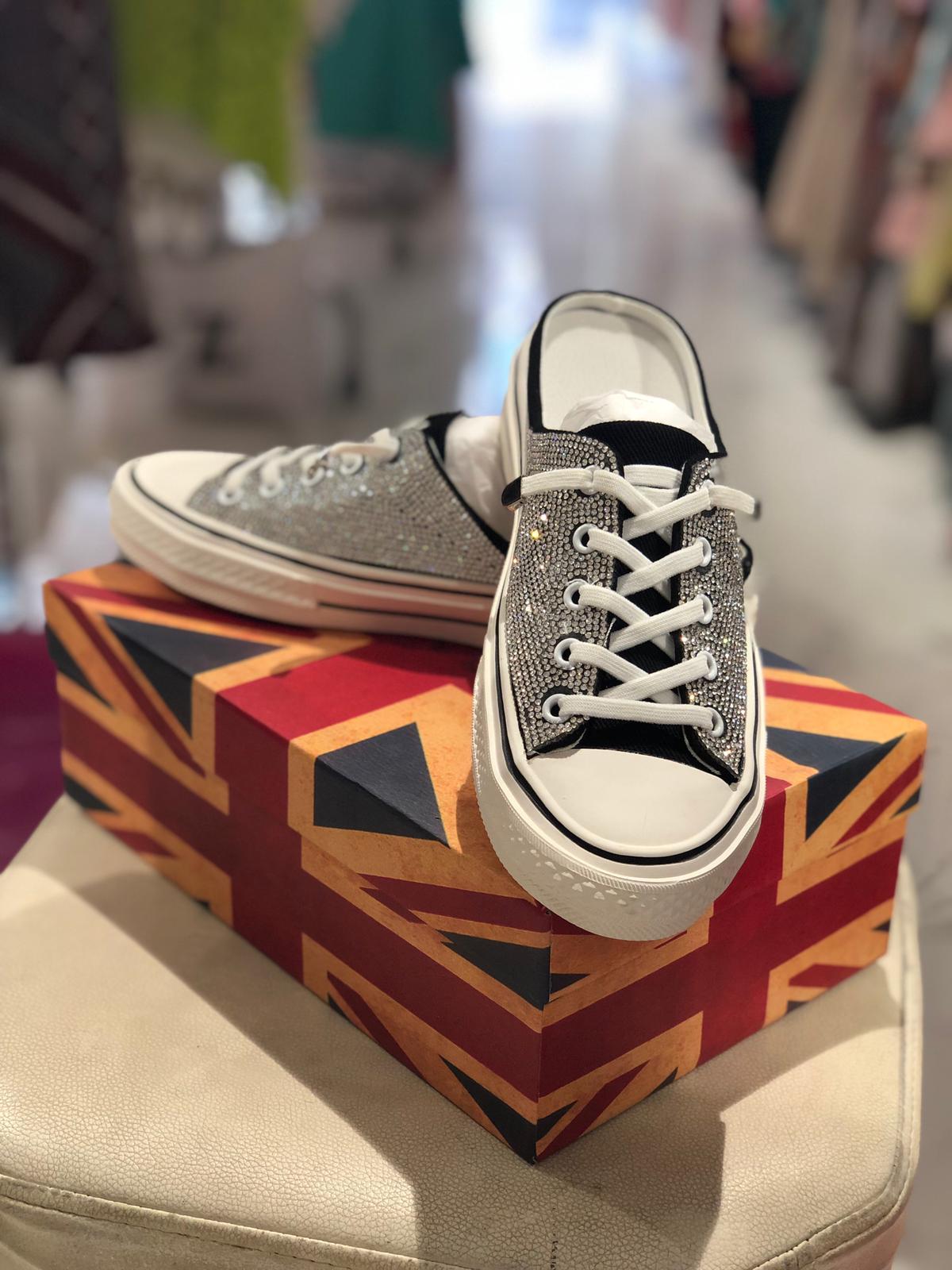 196561636f כפכף נעל משובץ אבנים - נעליים | Odell Fashion