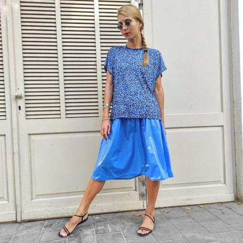 חולצת NAM - כחול רויאל מנומר