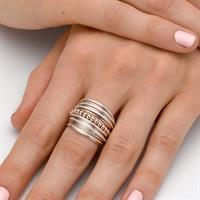 טבעת ספירלי לבן אדום חרוזים