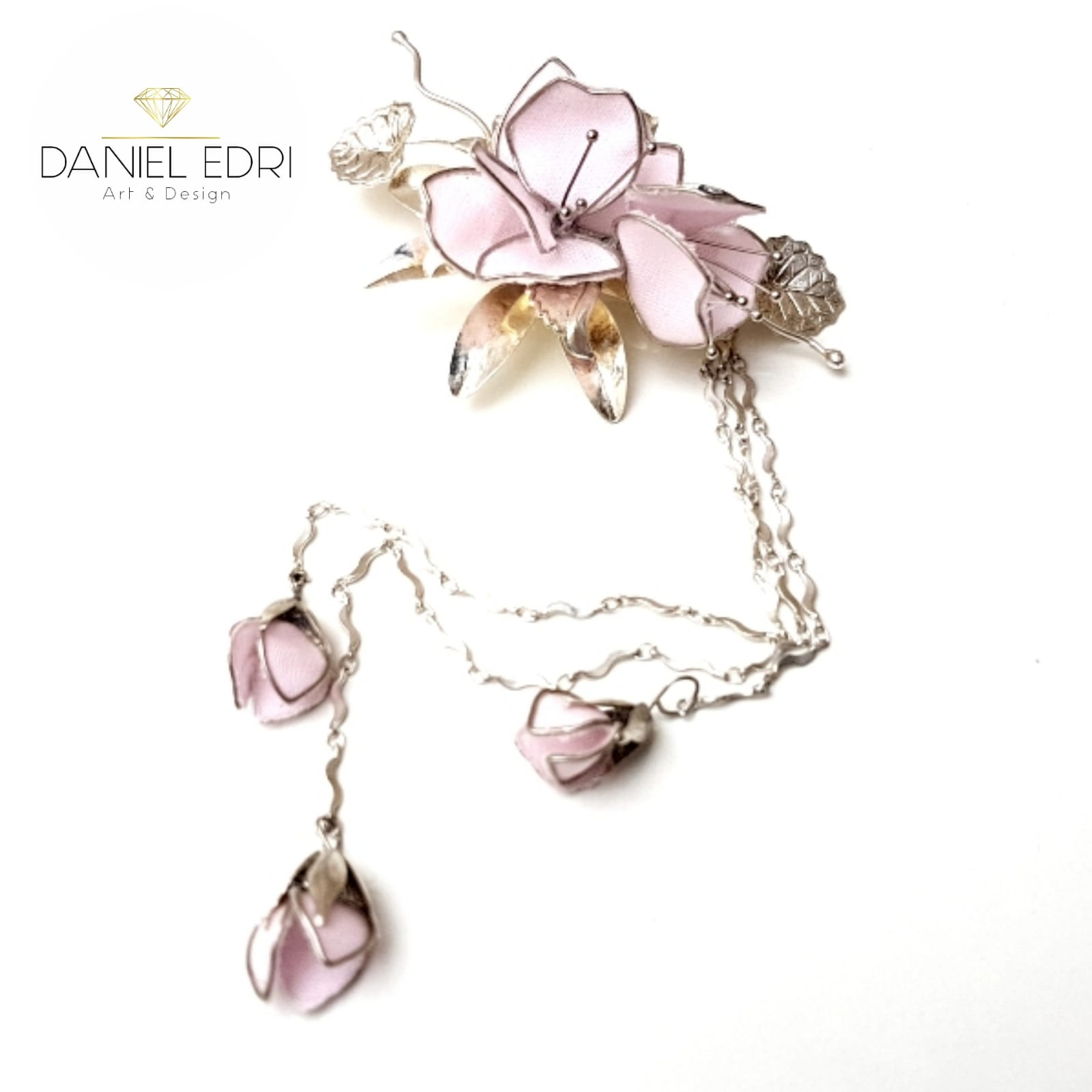 סיכת פרח ונופלים - דניאל