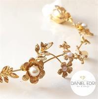 נזר פרחי זהב ופנינים