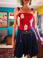 חצאית מיני פליסה כחולה עם שרשר מידה M