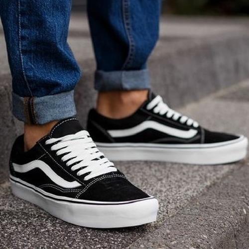 נעלי גברים ואנס אולד סקול קלאסי צבע שחור/לבן