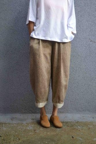 מכנסיים מדגם קרן בצבע חום