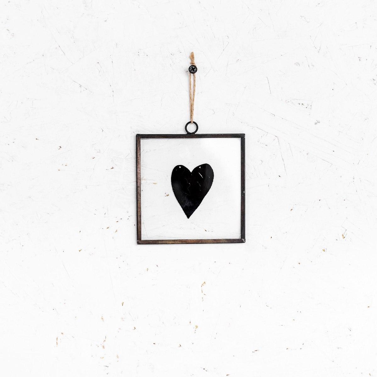 שלט זכוכית קטנטן - לב (שחור)