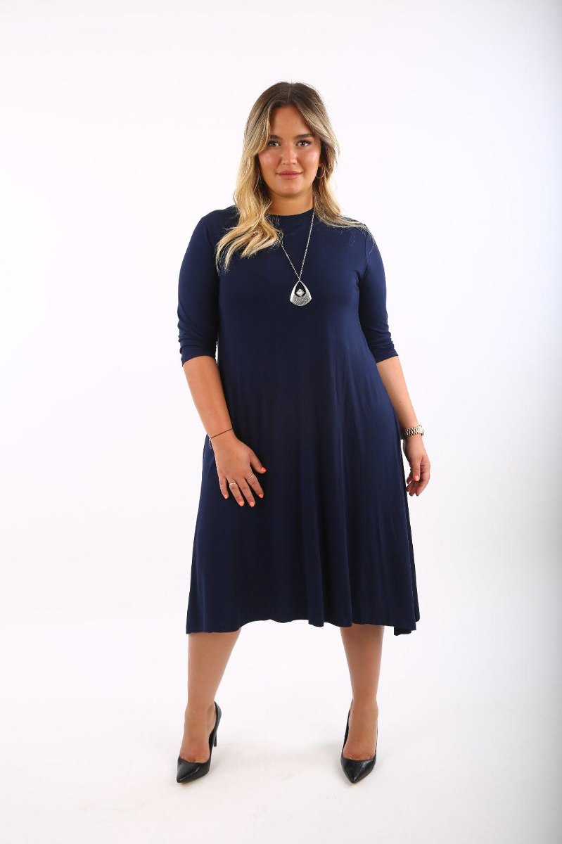 שמלה שרוול 3/4 + שרשרת