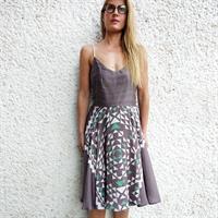 שמלת ריי גיאומטרי אפור