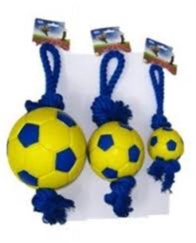 כדורגל בינוני מצפצף עם חבל