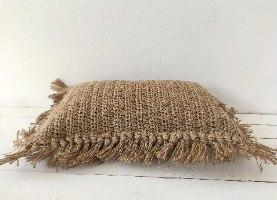 כרית מלבנית עשויה חוט יוטה טבעי