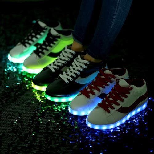 נעלי LED הלהיט של 2016! 8 LED בכל נעל וטעינת USB