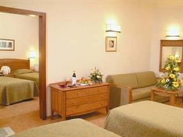 אירוח מלא בחדרי המלון - שלשה בחדר (סוויטה)