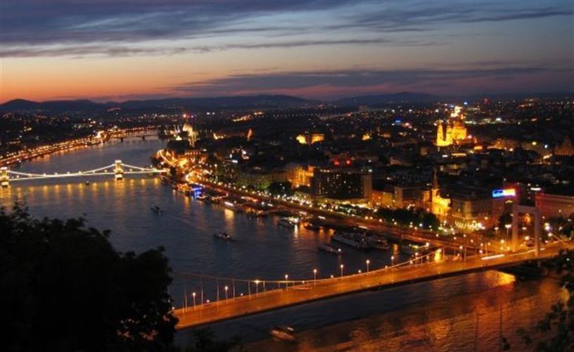 לאורך הדנובה בין בודפשט לפראג 8 ימים