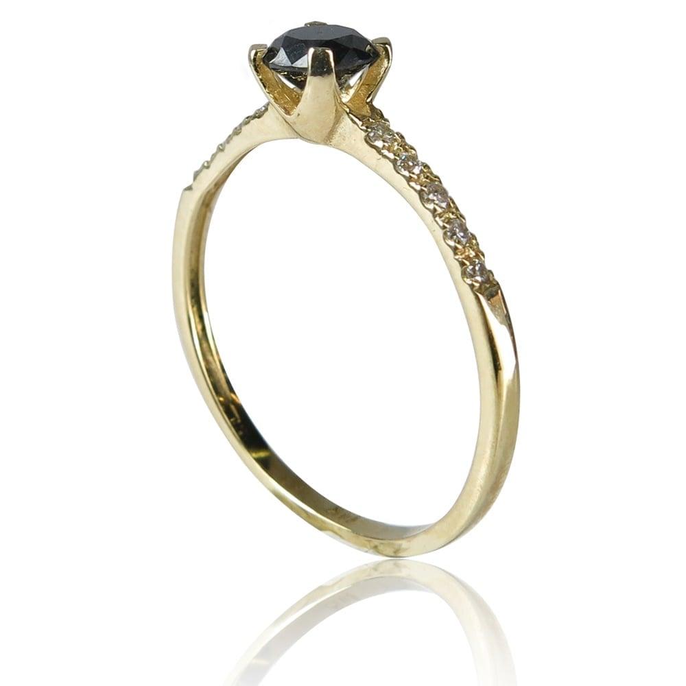 טבעת יהלומים עדינה ומיוחדת בזהב 14 קרט