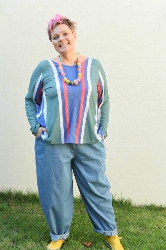 מכנסיים מדגם נור בצבע ג׳ינס בהיר