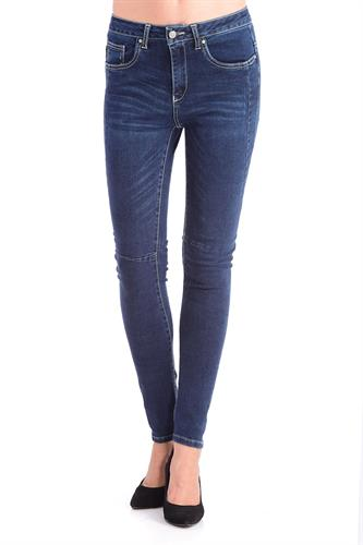ג'ינס אנגל כהה