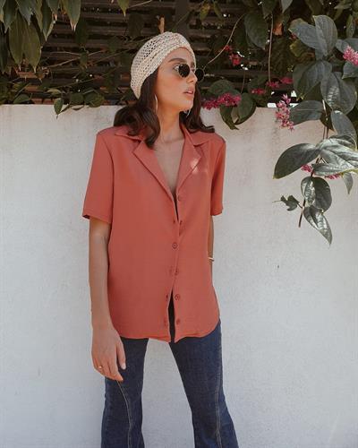 חולצת תמרה מכופתרת - אפרסק