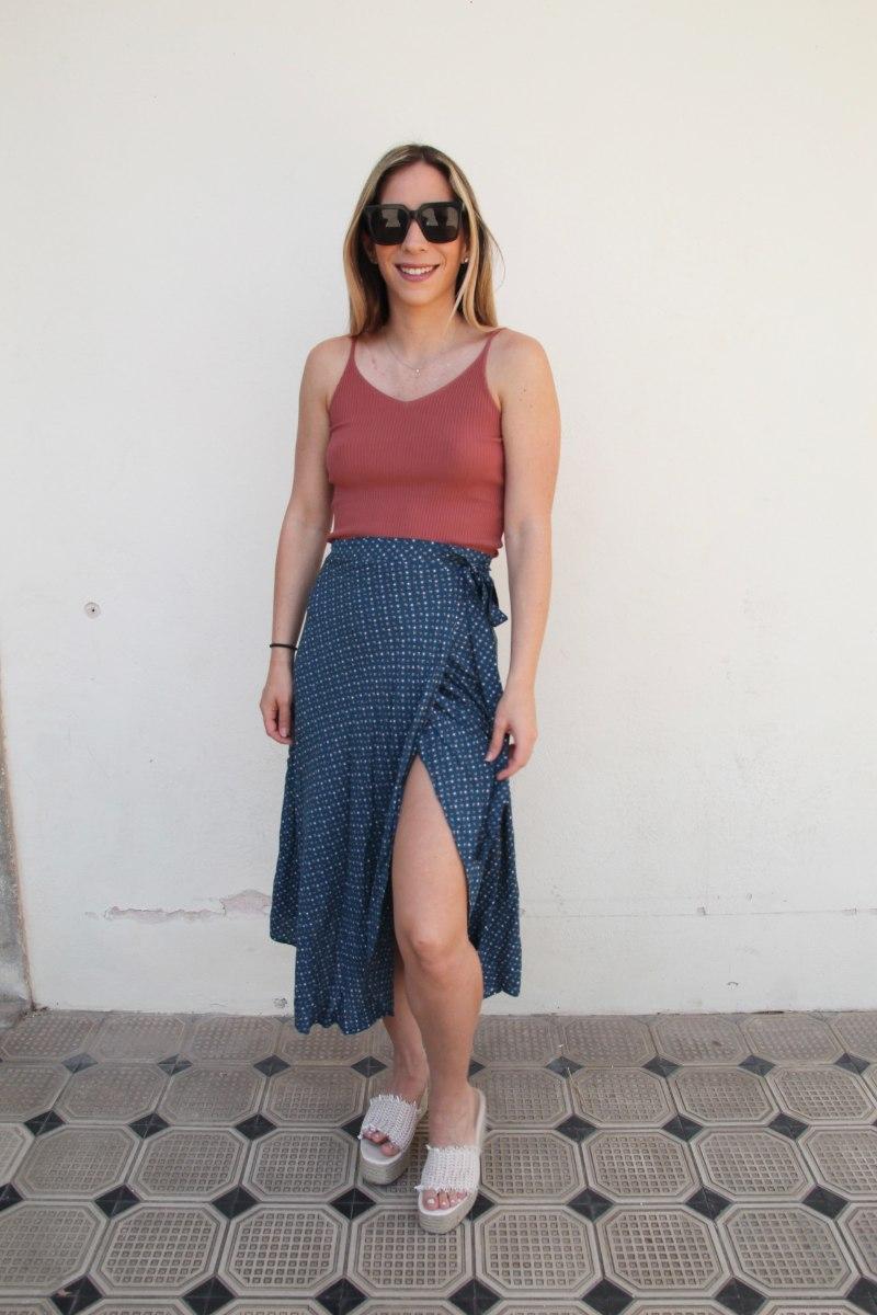 חצאית מעטפת כחול נקודות