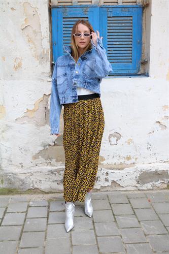 חצאית מידי פליסה מנומרת