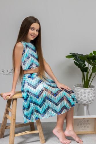 סט חולצה וחצאית מסתובבת אסיה
