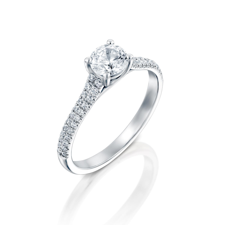 טבעת אירוסין זהב לבן 14 קראט משובצת יהלומים CELTIC WIDE