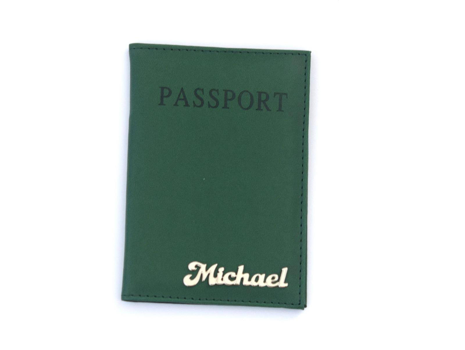 כיסוי לדרכון דמוי עור-ירוק בקבוק עם שם