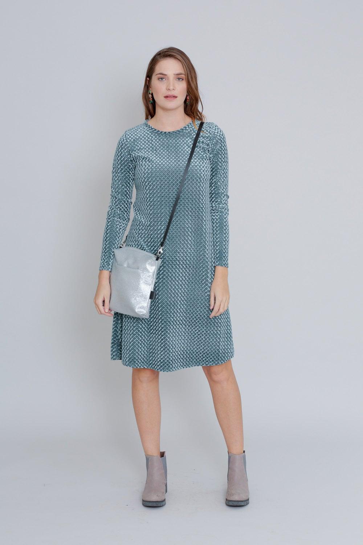 שמלת קטיפה אפורה