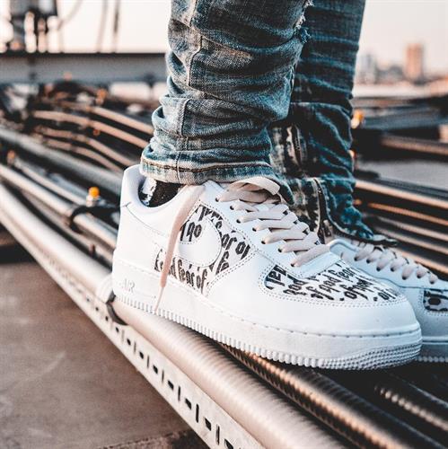 נעלי ספורט מעוצבות Nike Air Force1 x Fear of god