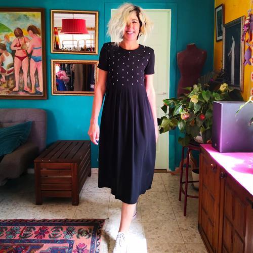 שמלה שחורה מתרחבת מידה S/M