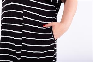 שמלת אן פסים שחורה
