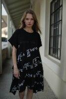 שמלת אובר סייז א- סימטרית