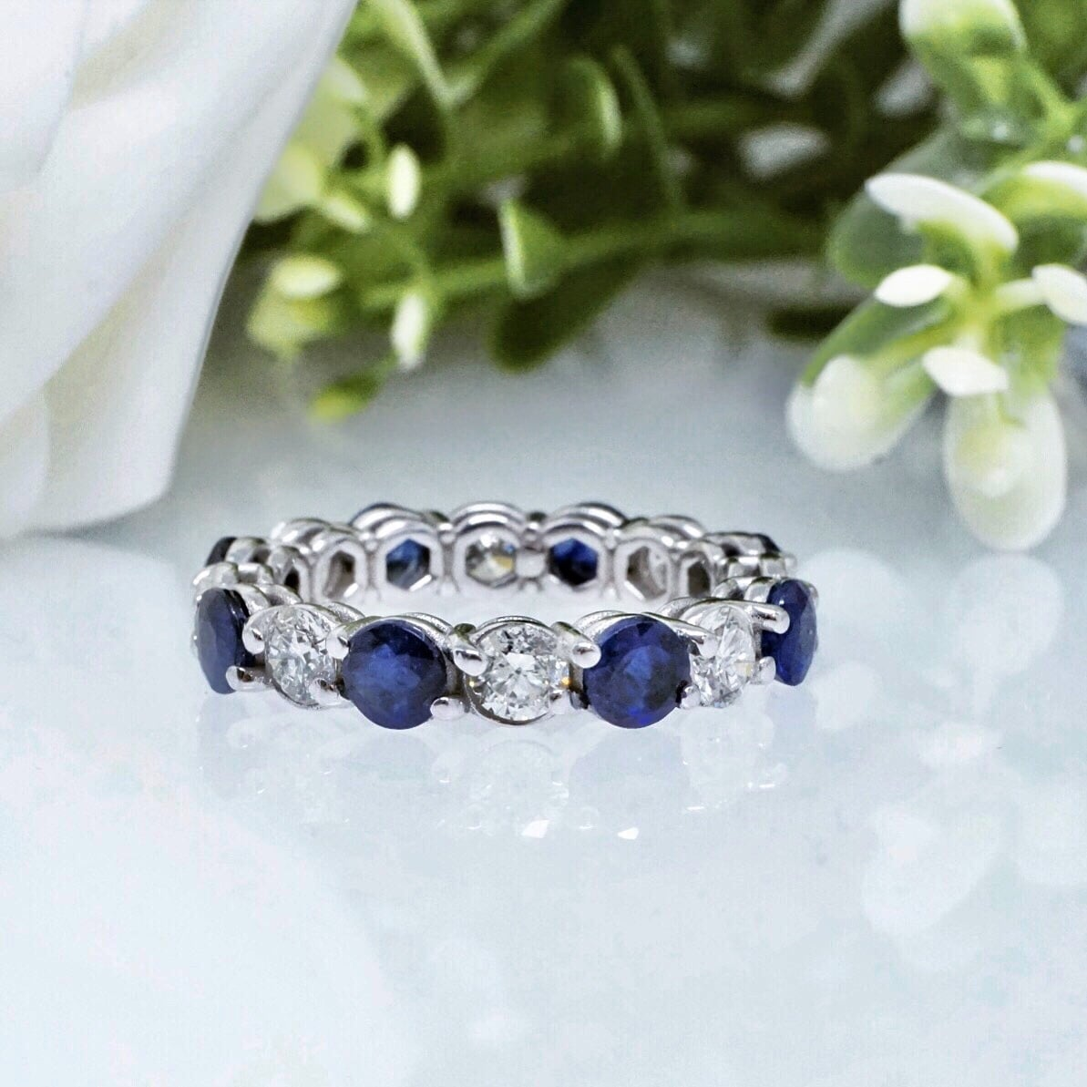 טבעת איטרניטי טבעת משובצת יהלומים ואבני ספיר