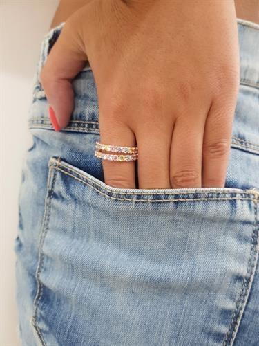 טבעת שורה סוליטרים עגולים