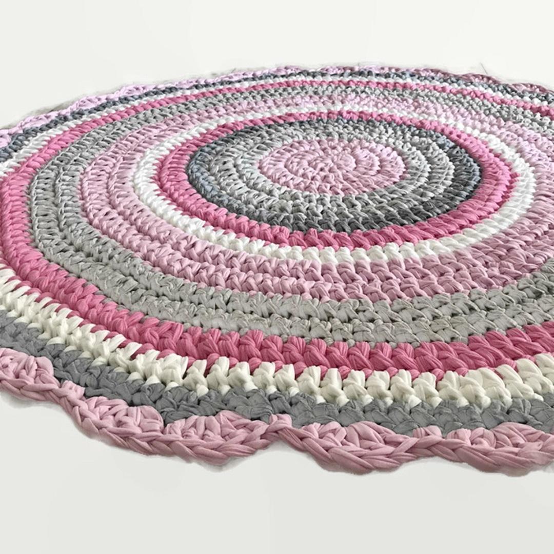 שטיחי סרוגים, שטיח סרוג, שטיח לחדר ילדים, שטיח עגול ורוד, חדר לילדה, עיצוב חדרי ילדים, חדר לבת, מתנה לילדה ,מתנה ליולדת