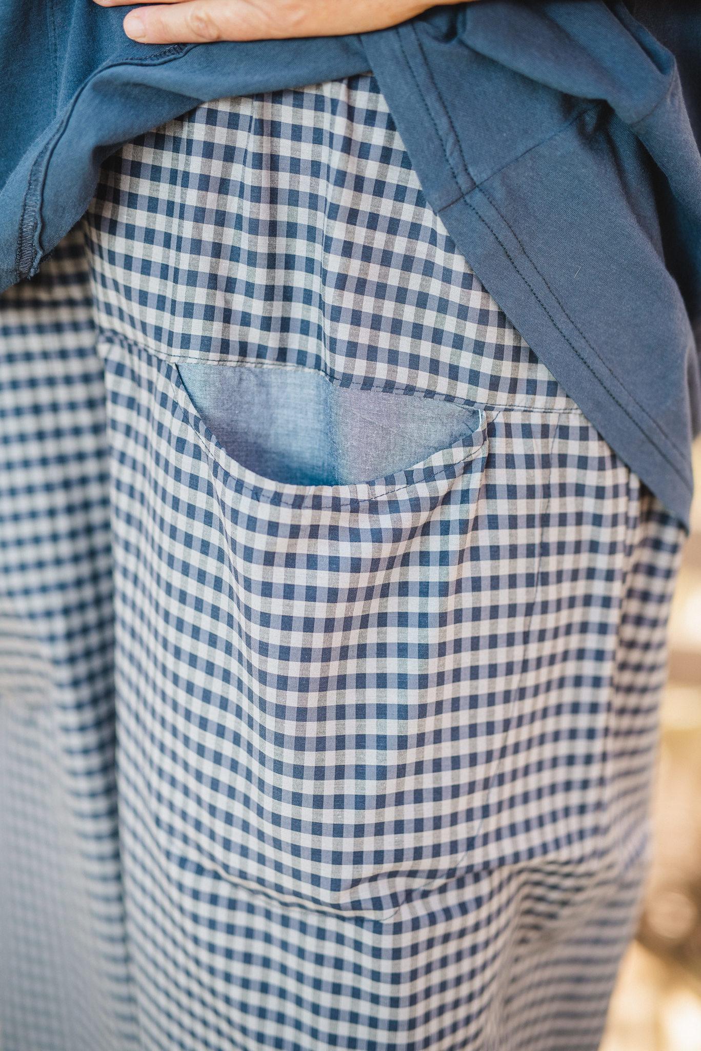 מכנסיים מדגם מיכאלה עם משבצות בכחול כהה ואפור