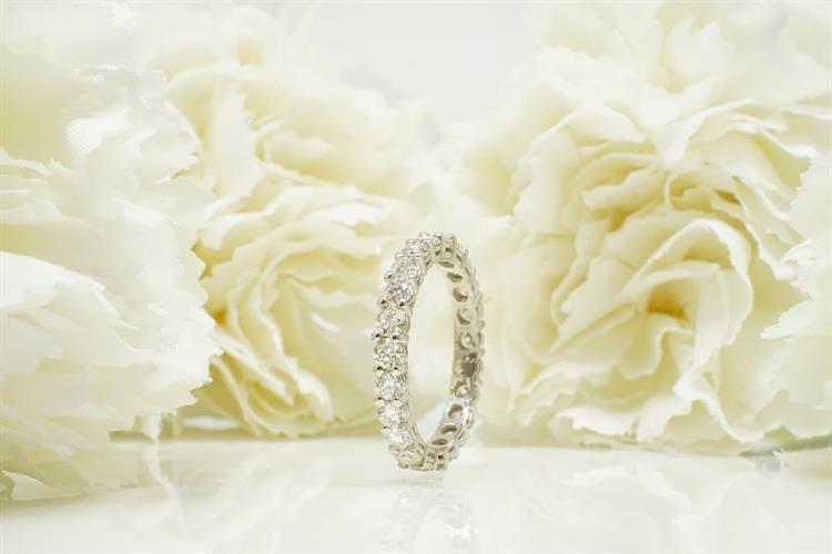 טבעת יהלומים 2.25 קראט │ טבעת איטרניטי עם יהלומים │ טבעת איטרניטי זהב לבן