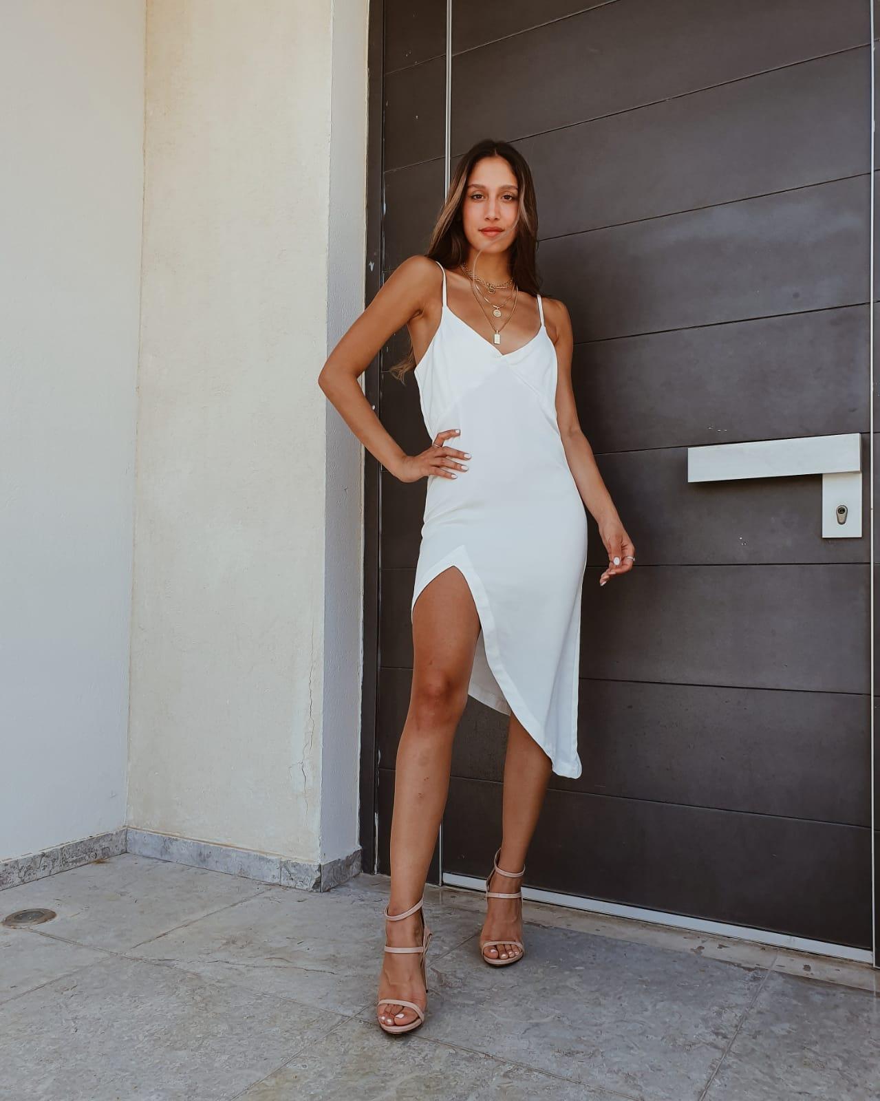 שמלת נויה - לבנה