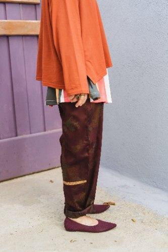 מכנסיים מדגם נור בצבע בורדו מפואר