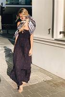 שמלת מקסי סטרפלס כחול נייבי