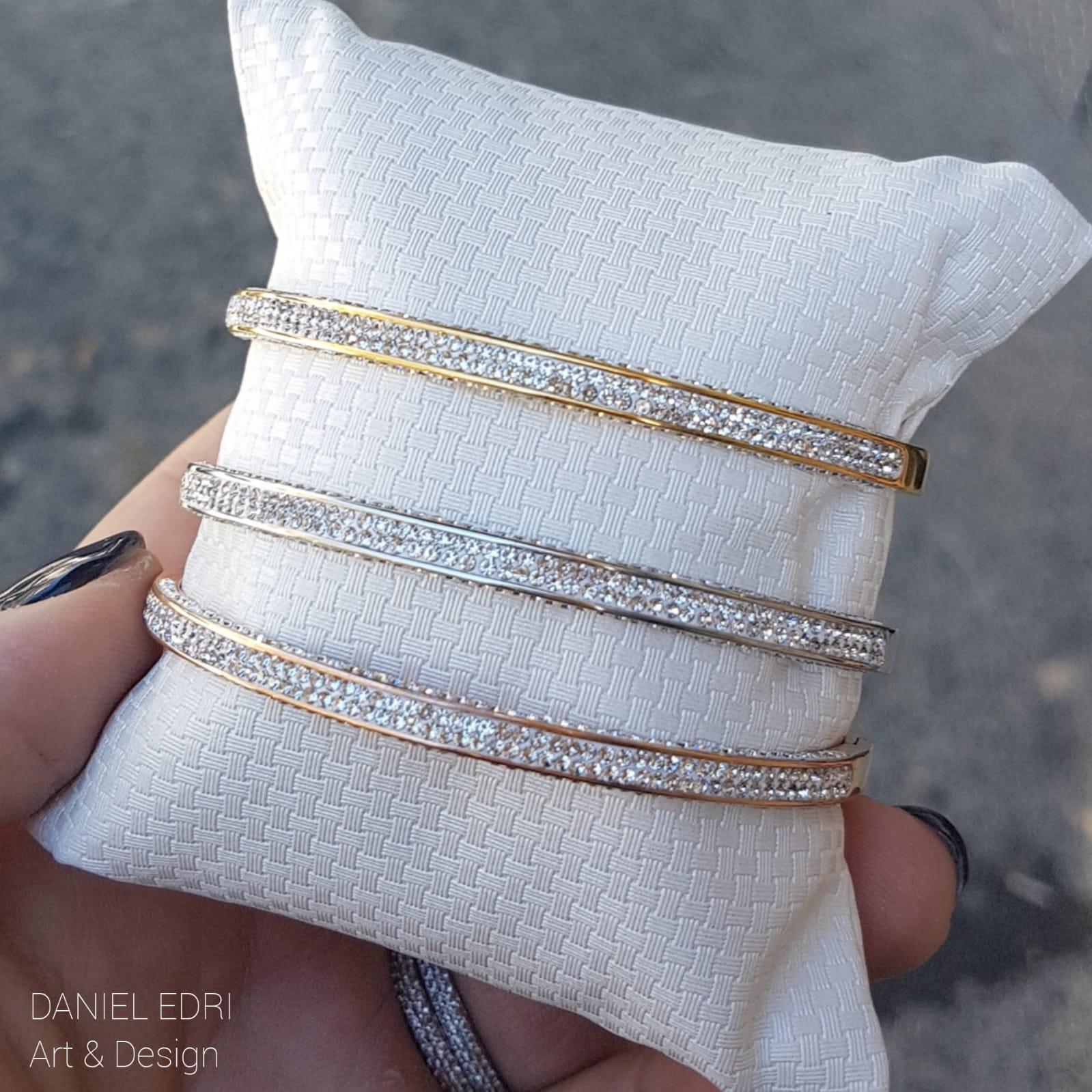 צמיד קשיח משובץ 3 צבעים- צמיד בציפוי זהב/ כסף/זהב אדום