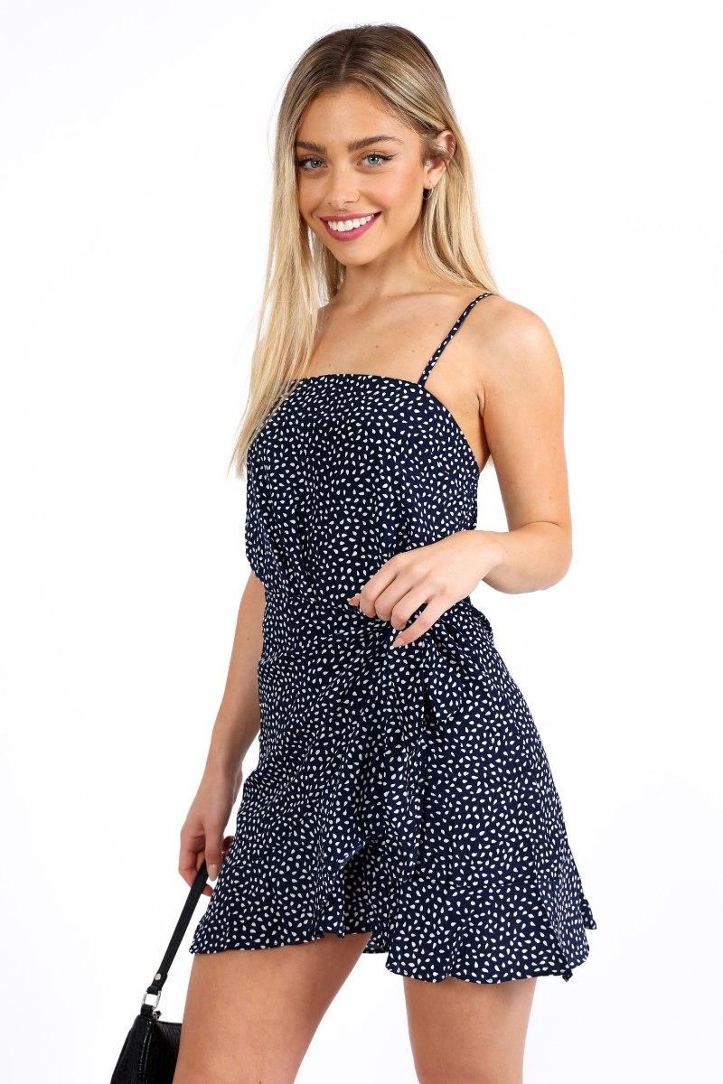 שמלת קארין