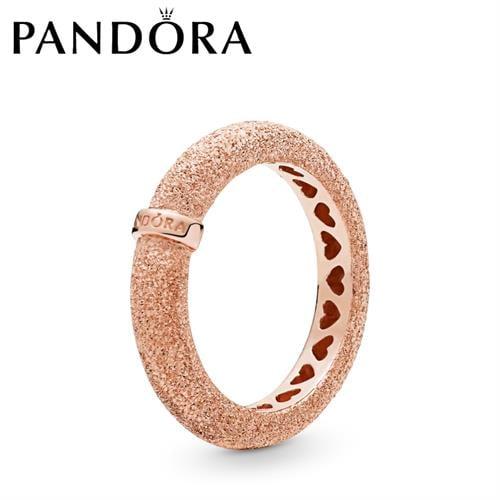 טבעת PANDORA רוז מרקם זוהר